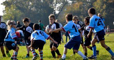 una immagine di gioco della Under 8 del Rugby Mirano al torneo Checco l'Ovetto giocato il 15 ottobre 2017
