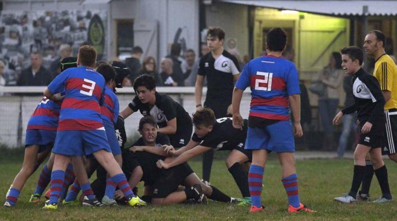 Un'azione di gioco del Rugby di Base miranese in una foto di Alberto Minto.