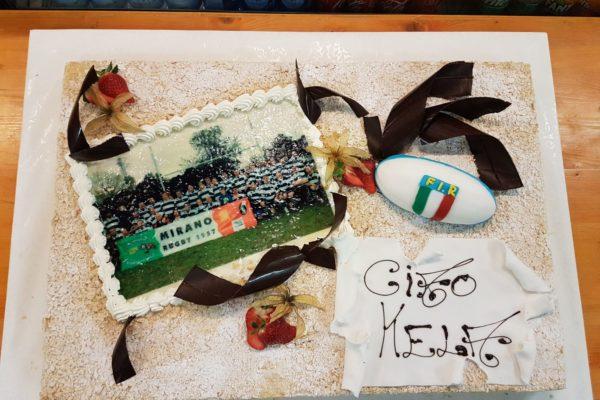 La torta realizzata in onore di Renato