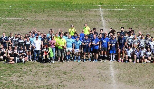 Foto collettiva di tutte le squadre partecipanti al 1° Torneo