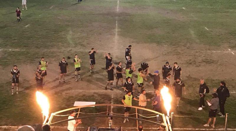 Rugby Mirano festeggia al termine dell'incontro odierno. Foto: Cinzia Bottacin.